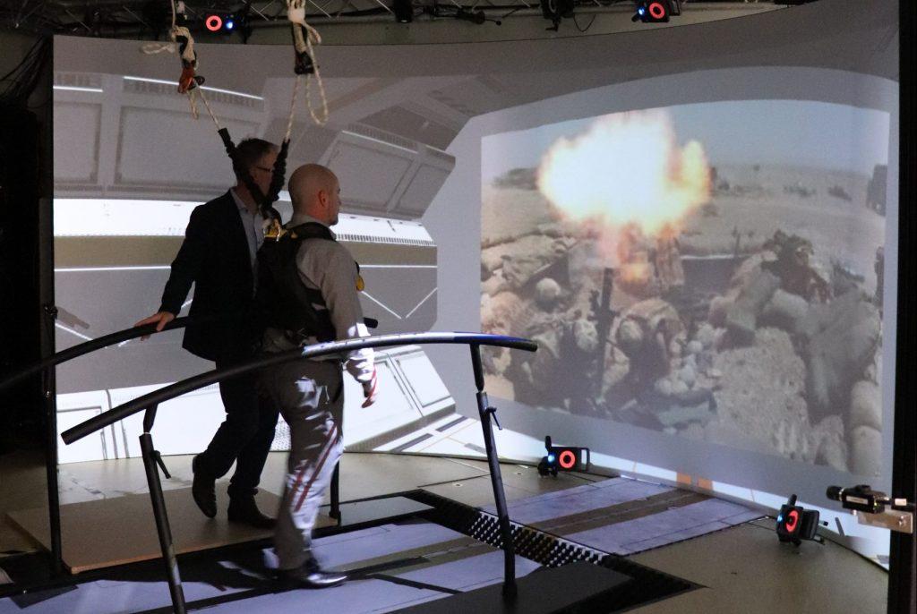 3MDR virtual reality treatment - man walking on treadmill